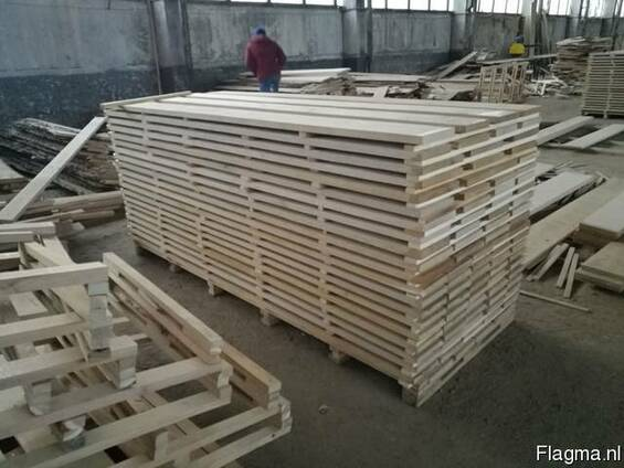 Oak, beech and birch boards and beams
